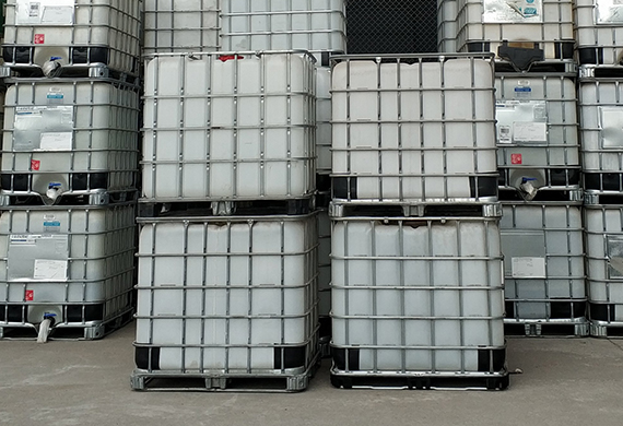 PE液体储存罐吨桶