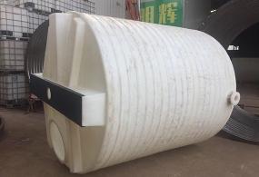5吨加药箱搅拌桶